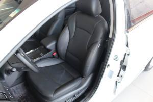 现代索纳塔八 驾驶员座椅