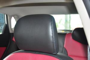 起亚K2两厢驾驶员头枕图片