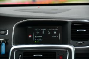 沃尔沃S60L中控台音响控制键图片