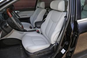 新大7 SUV前排空间图片