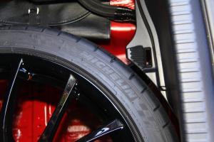 雷克萨斯RC F             备胎品牌
