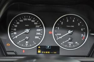 进口宝马2系多功能旅行车 仪表