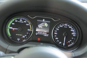 A3 e-tron仪表盘背光显示图片