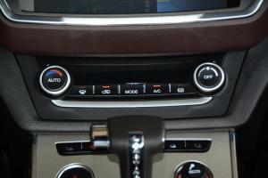 X7中控台空调控制键