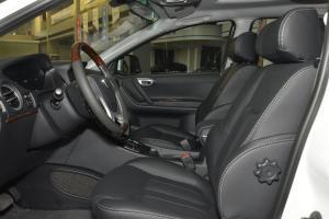 新大7 SUV              前排空间
