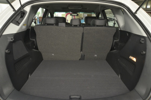 纳智捷大7 SUV 行李箱空间