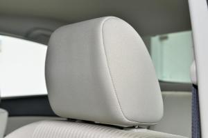 马自达3星骋三厢驾驶员头枕图片