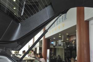 进口凯迪拉克SRX 行李厢支撑杆