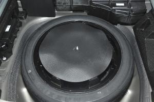 进口凯迪拉克SRX 备胎