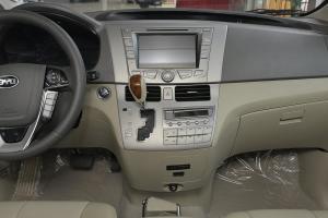 比亚迪M6中控台整体图片