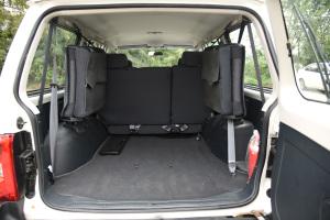 猎豹Q6                 行李箱空间