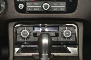 途锐中控台空调控制键