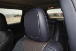 自由光驾驶员头枕图片
