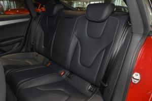 奥迪S5后排座椅图片