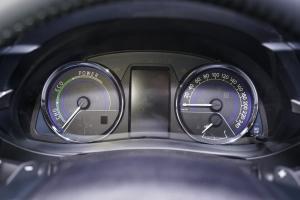 卡罗拉双擎仪表 图片
