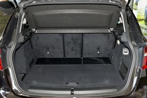 进口宝马2系运动旅行车 行李箱空间