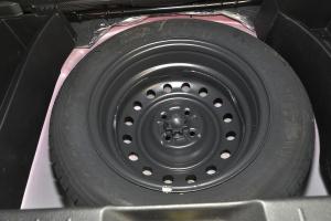智尚S35 备胎