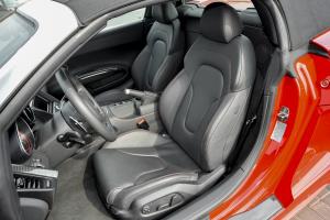 奥迪R8驾驶员座椅图片