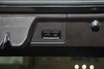 保时捷Panamera 行李箱门上电动关闭键