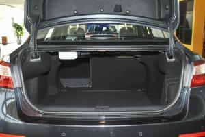 纬度 行李箱空间(后排左放倒)