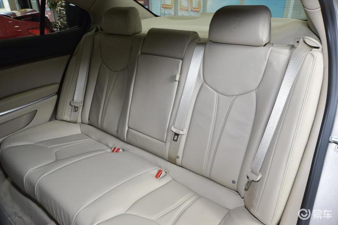 荣威950950后排座椅