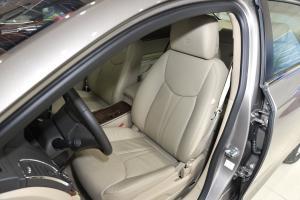 荣威950 驾驶员座椅