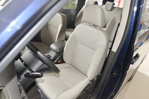 五菱荣光V驾驶员座椅图片