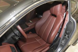 阿斯顿·马丁V8 Vantage 驾驶员座椅