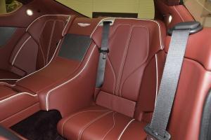 阿斯顿·马丁DB9后排座椅图片