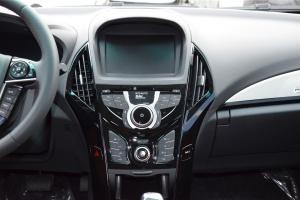 秦EV300中控台正面图片
