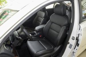 起亚K4驾驶员座椅图片