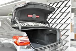 进口宝马7系 行李厢开口范围