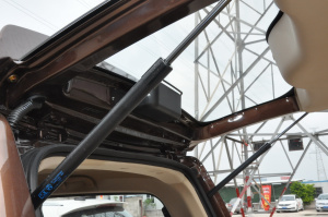 北汽威旺M30              行李厢支撑杆