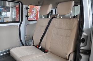 V77后排座椅图片