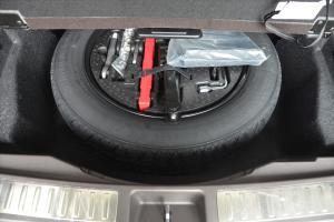 进口奔驰GLS级 备胎