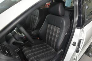 大众POLO GTI 驾驶员座椅