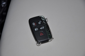 F-PACE钥匙