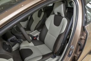沃尔沃V40 Cross Country 驾驶员座椅