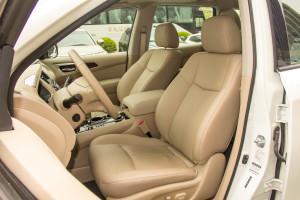 探路者Pathfinder驾驶员座椅图片