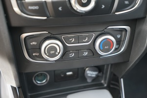 V3中控台空调控制键