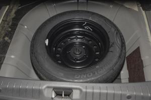 景逸S50 备胎