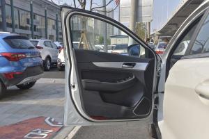 X55驾驶员侧车门内门板