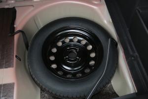 雪铁龙C4L备胎图片