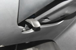 马自达CX-4方向盘调节键图片