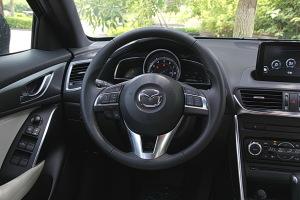 马自达CX-4方向盘图片