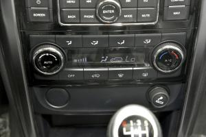 BJ80中控台空调控制键