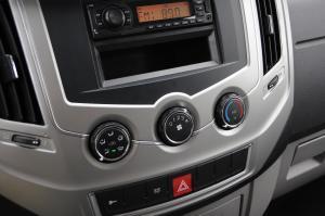 东风御风领运版              中控台空调控制键