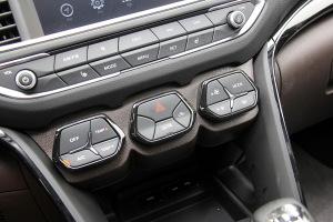 传祺GS4中控台空调控制键