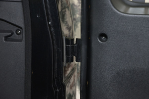 BJ80行李厢支撑杆