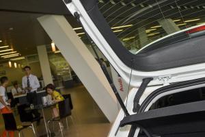 进口奥迪A3 e-tron 行李厢支撑杆